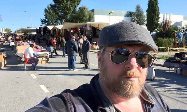 SYDEN: I Portugal samles folk på lokale markeder en gang i uka. I Kongsberg har vi det en gang i året.