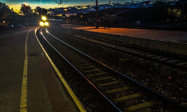 TOG: Skal toget fortsatt være et realistisk alternativ, spør forfatterne av innlegget.