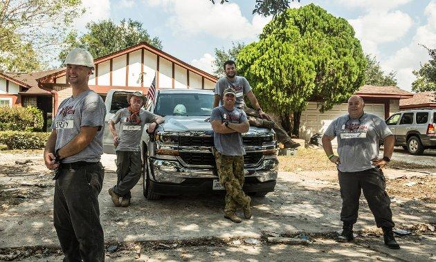 RESSURS: Team Rubicon brukar dei eigenskapane veteranen har erverva seg i si teneste til å hjelpe andre. Nett no har det vore 10 veteranar på Bahamas for å vere med på naudhjelp der etter stormen Dorian som la store delar av Bahamas flatt.Eit team med frivillige veteranar frå USA, Australia og Norge.