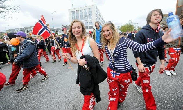 Therese Bakken Nygaard (t.v.) og Charlotte Davidsen fra Sandefjord videregående skole.