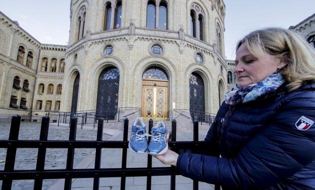 Forrige uke ble det satt i gang en digital kampanje og over 46.000 har signert oppropet som krever at                                    Norge bidrar til å evakuere barn fra flyktningeleiren Moria på Lesvos. På bildet kampanjeleder Katrin Glatz Brubakk fra Leger Uten Grenser. – Det finst endeleg hjarterom og husrom i Noreg, men det ser ikkje regjeringa. Foto: NTB/Scanpix