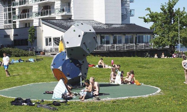 Sommerglede: I Holmestrand var det små kohorter og rikelig med avstand. Foto: Svein Ivar Pedersen
