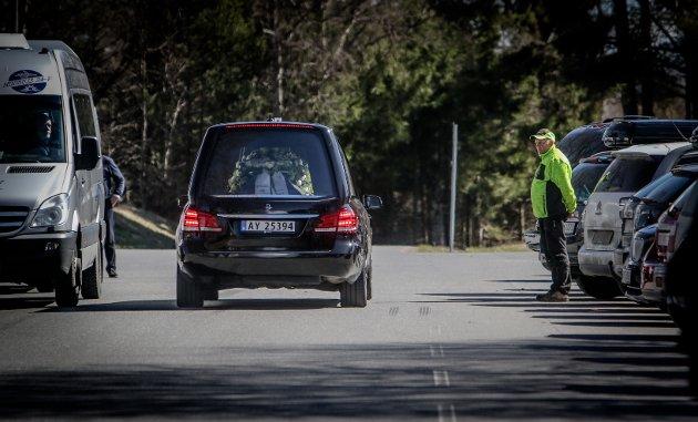 Jon Michelet ble bisatt fra Rygge kirke, fredag 27.04.2018