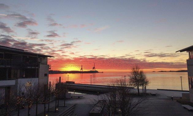 Gull over Revet: Meteorolog Gislefoss mener de vakre soloppgangene i desember skyldes forurensing. Han om det.Foto: Inger Lene O. Steen