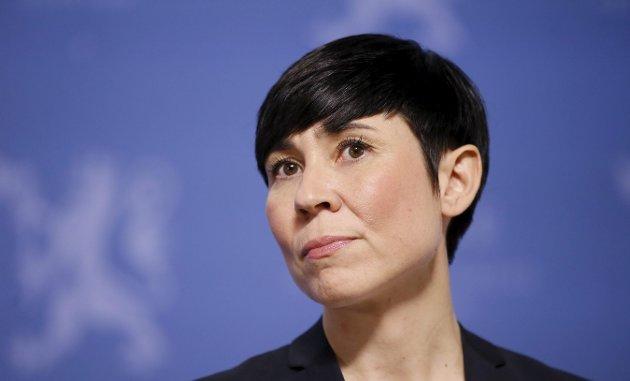 Utenriksminister Ine Eriksen Søreide svarer på kritikken Nei til EU framsatte i Sarpsborg Arbeiderblad.