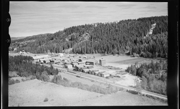 Matrand IL: Til høyre i bildet skimtes det som en gang var Ekebergbakken som ble brukt fram til 1937. Foto: Nasjonalbiblioteket