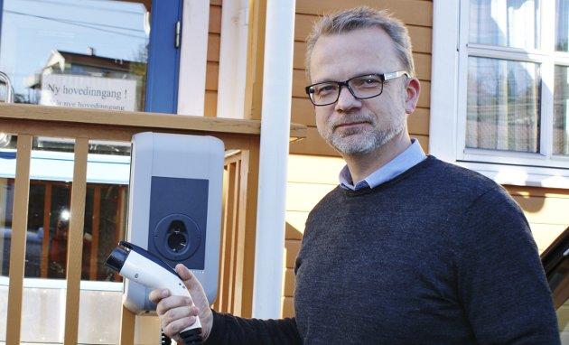 MIljø: Geir Elsebutangen mener Kragerø kommunes innføring av soneparkering går på bekostning av elbiler.