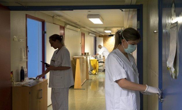 – Før alt dette var det allerede en krise i gang, og den lød: 15 prosent av sykepleiere vil ut av sektoren. Dette tilsvarer 64.666 helsearbeidere. La det tallet synke inn. Hva om de ikke hadde vært her nå? spør sykepleieren bak dette innlegget. Illustrasjonsfoto: NTB