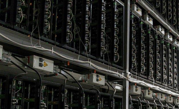 MINING: – Nytten av bitcoin er helt overflødig, og strømforbruket er helt enormt, skriver Øystein Hallre.