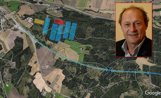 SVÆRE FORHOLD: Denne montasjen viser hvor mye av skogen mellom E18 og jernbanelinja nord for Barkåker en datalagringssentral vil legge beslag på. Arealet som trengs til en slik sentral vil dekke ca. 700 mål. Det vil si at det fra en den enden til den andre siden vil være en strekning på flere hundre meter.