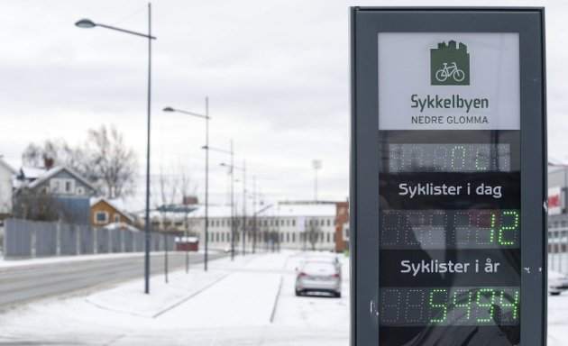 Bra: Sykkelfeltene langs Mosseveien er fine, men er unntaket fra regelen i Fredrikstad sentrum.