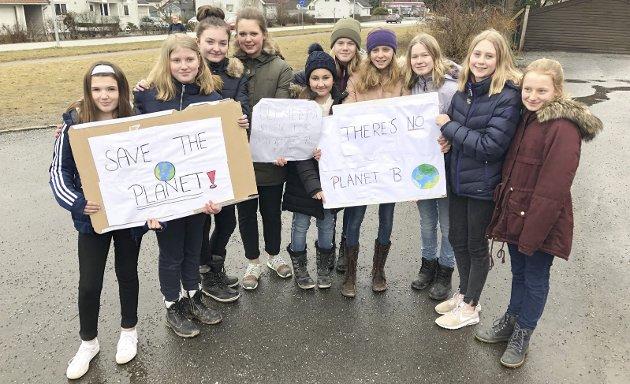 MILJØKAMP: – Hvis du ikke har fått med deg de siste ukers skolestreikende klimaungdommer, må du ha ligget under en sten, skriver Hanne Lund-Nilsen i dagens Signert. Arkivfoto: Steinar Omar Østli