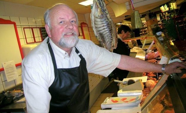 2007: Kjøpmann Svein Refsnes bak ferskvaredisken.