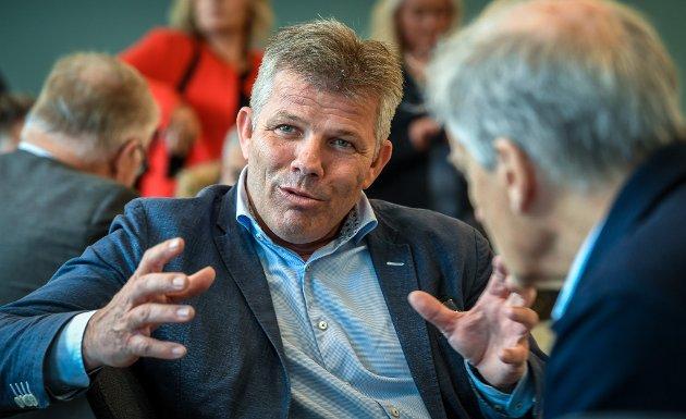 Nestleder i Ap, Bjørnar Skjæran fra Lurøy, skriver at regjeringen ikke svarer den kraftforedlende industrien som står ovenfor en alvorlig krise.