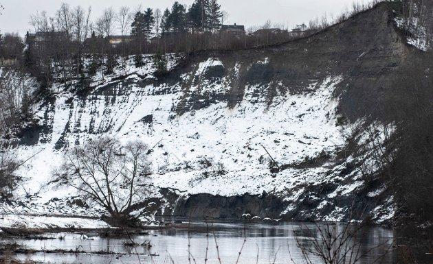Rasområdet ved Hovsenga blir foreløpig liggende som det gjør i dag.