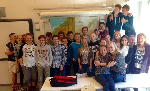 «Sammen som klasse heier vi på Jakob og på et fordomsfritt Norge», skriver 9A.
