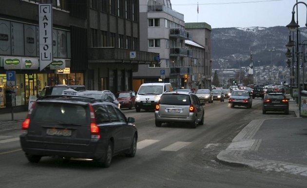 MER TRAFIKK: I dag er Narvik sentrum ekstremt belastet av trafikk. Med Nasjonal Transportplan vil det bli verre. Samtididg som alle planer om å flytte trafikken ut av byen puttes i skuffen.