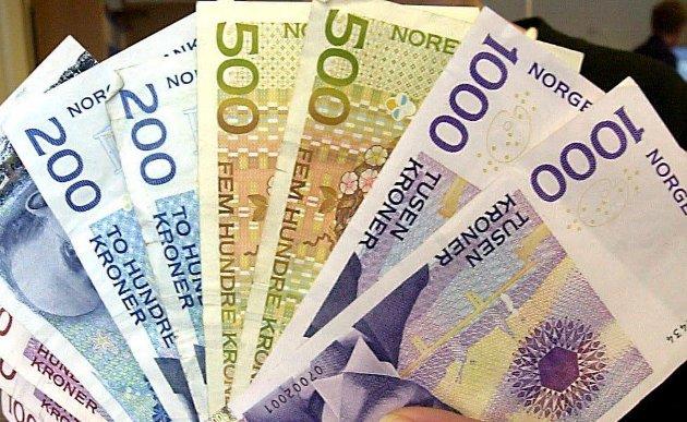 FORMUESKATT: – Follow the money, skriver Stein Cato Røsnæs.
