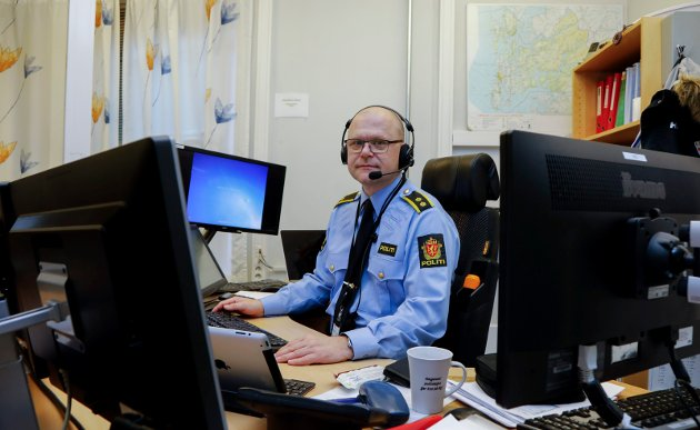 SKRIVER: Jarle Utne-Reitan er lokallagsleder i Norges politilederlag. Bildet er tatt da han var operasjonsleder.