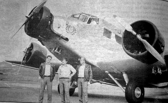 En bevinget sjeldenhet besøkte Leknes. Et fly av typen Junker-52, mest kjent som  tysk krigsfly fra andre verdenskrig, fullt av sveitsere på vei til Nordkapp, var  ikke dagligdags kost på norske flyplasser.