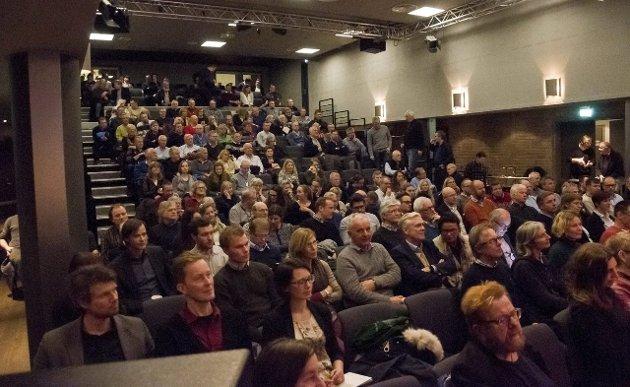 Bildet er fra folkemøtet om parallelloppdraget.