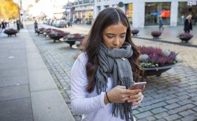 Tidstyv: Vår gjesteskribent Emilie Enger Mehl er bekymret for hvor mye tid menneskeheten bruker på sosiale medier, uten mål og mening. FOTO: NTB/Scanpix