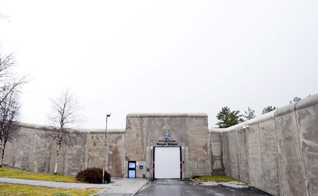 – Det er risikabelt å jobbe i fengsel. Derfor må vi øve på plutselige hendelser. Men vi får ikke yrkesskadeerstatning om det går galt, skriver innleggsforfatterne. FOTO: EIRIK HAGESÆTER