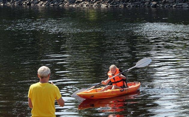 VIKTIG TILBUD: Muligheten til å låne dyrt utstyr gir familier sjansen til å gi barna og seg sjøl gode opplevelser i sommer.