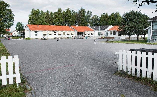 PRESTEBAKKE SKOLE: Arbeiderpartiets Rino Eriksen hevder rådmannen må ha fått noen politiske signaler fra posisjoner når han foreslår å legge ned Prestebakke skole. Arkiv.