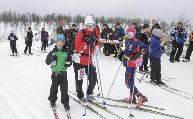 Hattrennet 2016. 550 deltakere i det 77. rennet. På matstasjon på Fuglåsen var det mange fornøyde løpere.