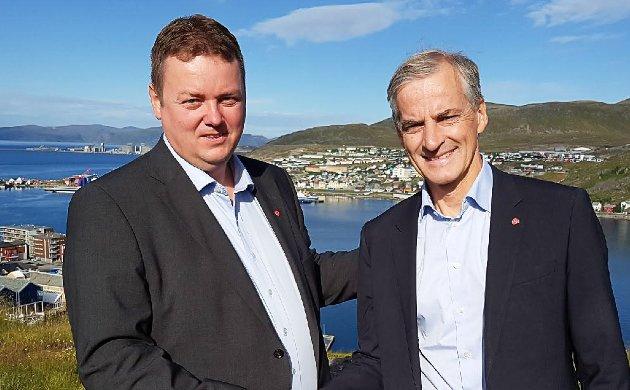 Stortingsrepresentant Runar Sjåstad (Ap) og hans partileder, Jonas Gahr Støre fotografert her ved en tidligere anledning.
