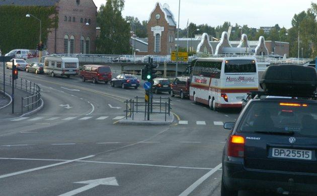 - Venstre foreslår å fjerne moms på kollektivtransport, sier Olav Relling i sitt leserbrev.