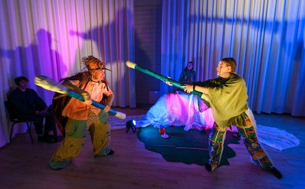 Dramalinja ved Polarsirkelen videregående skole skal turnere med eget stykke under Vinterlysfestivalen i høst.