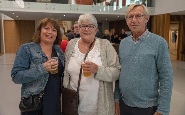 Fra venstre: Kathrine Bergby, Gørild og Sigurd Hamborg gleder seg til konsert.