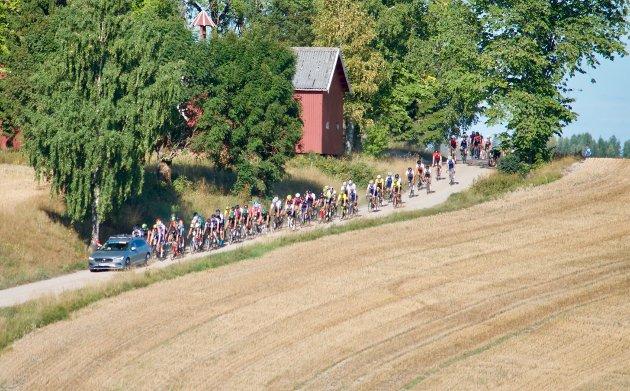 Litt av et skue da syklistene kom ned Gamle Drammensvei.