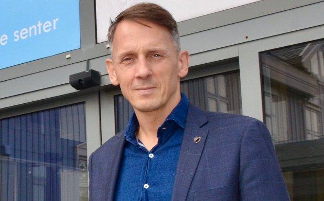 Personlig er jeg er helt uenige med demonstrantenes budskap, men forsvarer deres rett til å ha slike meninger, skriver ørlandsordfører Tom Myrvold (H) om de som demonstrerer mot amerikanske bombefly i Ørland.