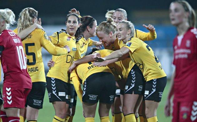 Scoring: LSK Kvinner jubler for Guro Reitens ledermål mot Brøndby.Foto: Lise Åserud / NTB scanpix