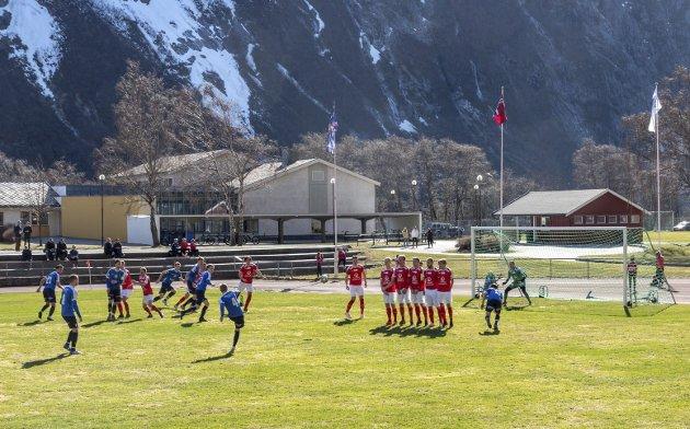 Sesongstart: Sesongpremieren endte med tap 0-2 hjemme mot Eidsvold Turn for Sunndal.
