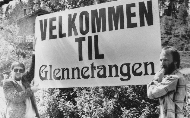 Svein Olav Agnalt (til venstre) var med å ønske velkommen til Glennetangen Camping i 1987.