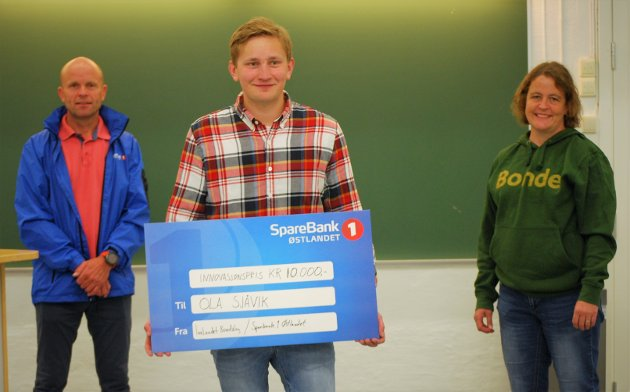 Fikk pris: Ola Sjåvik fra Etnedal vant innovasjonsprisen til Innlandet Bondelag og Sparebank1 Østlandet.