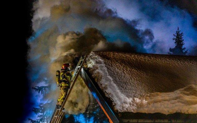 Brann i hytte på Hafjelltoppen i Øyer.