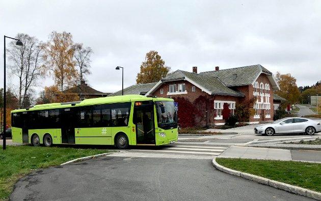 KOLLEKTIVT: Kollektivtilbudet i Ås kan bli bedre, skriver Anna Solberg.