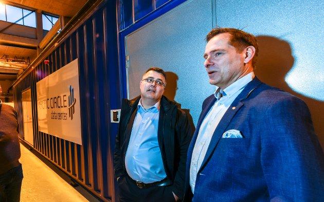 Olje- og energiminister Kjell-Børge Freiberg på besøk i MIP. Mo Industripark. Inne på ACDC, Arctic Circle Data Center sammen med Stein Erik Blichfeldt Myhre  og COO i ACDC, Dag Gjetrang.