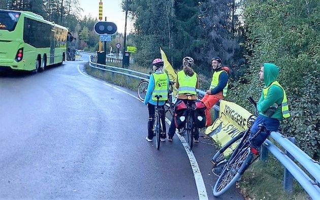 AKSJONISTER: Aksjon tryggere sykling ble arrangert 23. september og fem syklister deltok.