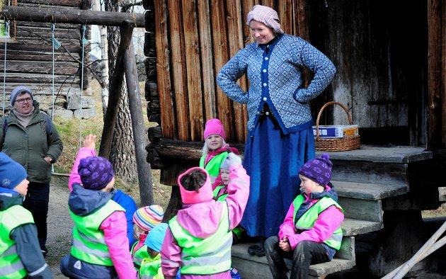 One Enerud frå Valdres Folkemuseum ynskjer 150 ungar frå barnehagar i Valdres velkomne til Barnas dag på museet