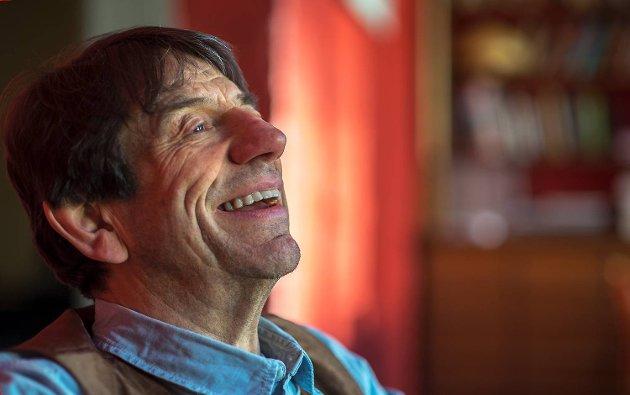 "Helge Jordal fyller 70 år på onsdag og dagen feires med premiere på stykket ""Lampefeber"" på Logen teater."