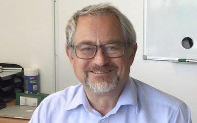 STOPPER PLANER: Jon Hovland (H) mener Krøderbanen ikke kan stoppe utbyggingsplaner, mens Hannevold redegjør for Krøderbanens syn og de reglene som gjelder.