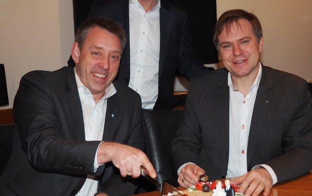 SEIER NEI: Ordførarane i Selje og Eid, Stein Robert Osdal og Alfred Bjørlo vil ikkje ha noko endringar på Nordfjordekspressen.