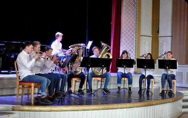 Ensemble nr. 1: Brassgruppe fra Fredheim skolekorps.