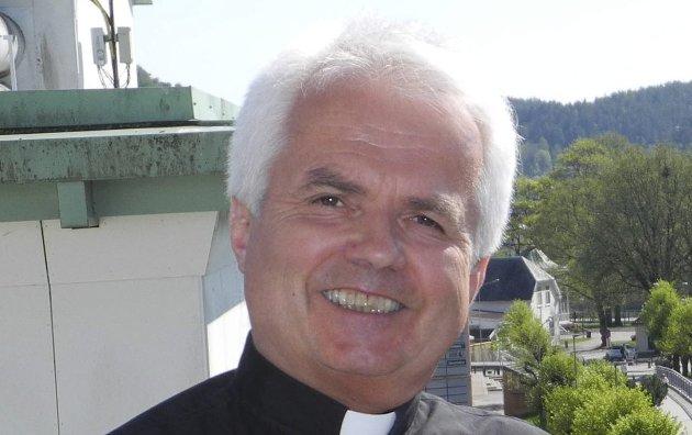 INNHOGG: Sogneprest Jan Boye Lystad skriver at det er tre små ord som skaper familier og grunnlegger hjem. – Derfor er vi alle gründere, konkluderer han.